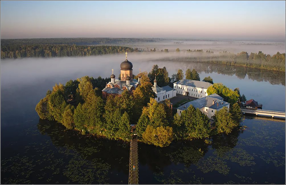 Введенский островной монастырь
